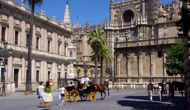 Plaza del Triunfo in Sevilla