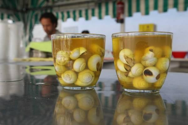 feesten in Andalusie, slakken eten
